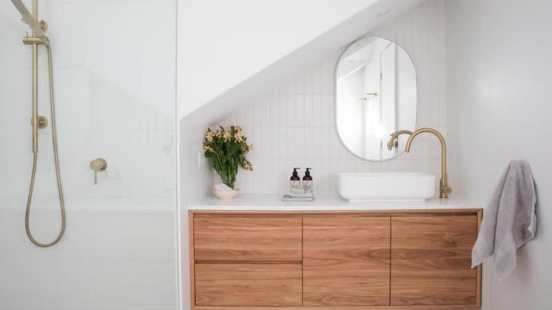 15 Ideas for Bathroom Storage to Maximize Your Space